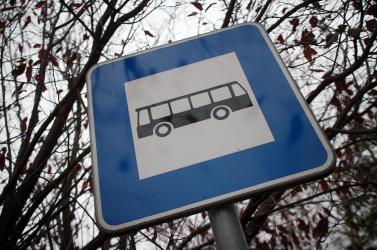 Valaki megölte a férfit, akinek a holttestét egy buszmegállóban találták meg