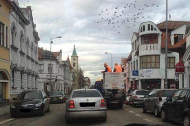 Hogyan csinálhatsz forgalmi dugót a város közepén, ha szívathatnékod van?