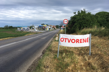 Egyesek magasról tesznek a magyar nyelvre a köbölkúti kúton