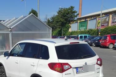 Ha bevásárlásról van szó, néhány sofőr nem ismer határt Dunaszerdahelyen (FOTÓ)