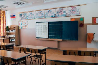 Már 13 iskolát zártak be Szlovákiában a koronavírus-járvány miatt