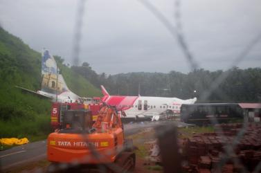 Nőtt az indiai repülőgép-szerencsétlenség halálos áldozatainak száma