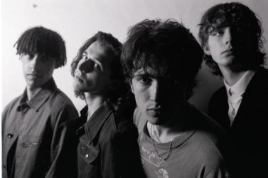 Bono fiának ez az első albuma, de máris a lemezlisták élére repült