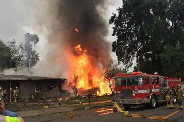 Lakóházakra zuhant a kisgép, négyen meghaltak