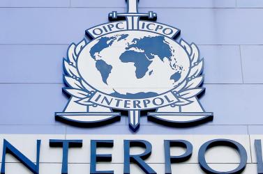 Az Interpolt is bevonják Suchoba kézrekerítésébe