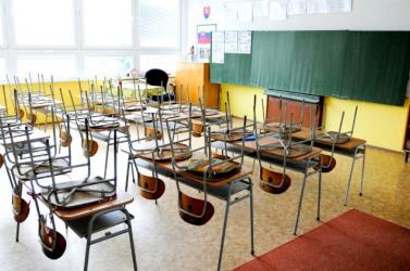 Elképesztő! 666 órát hiányzott az alapiskolából egy diák a Komáromi járásban