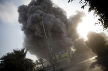 Izrael és Gáza egymást rakétázza