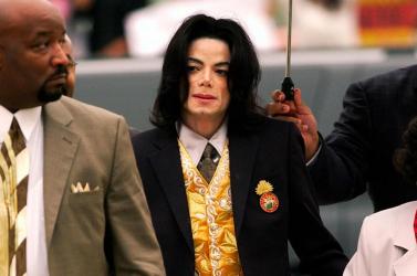 Michael Jackson rajongói beperelték a sztár állítólagos áldozatait