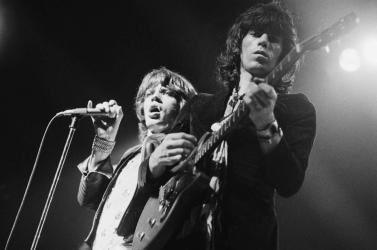 Egy Jimmy Page-dzselfelvett, 50 évekiadatlan dal is szerepel a Rolling Stones őszre ígért deluxe kiadványában – VIDEÓ