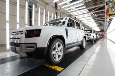 Legalább erre a hétre leáll a munka a nyitrai Jaguar Land Roverben