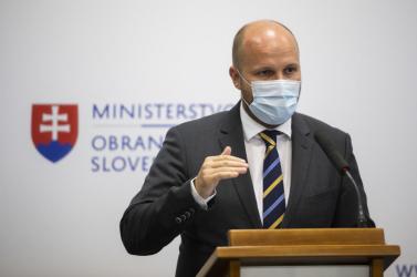 Naď szerint Kollárnak távoznia kellene a Szlovák Orvosi Kamara éléről