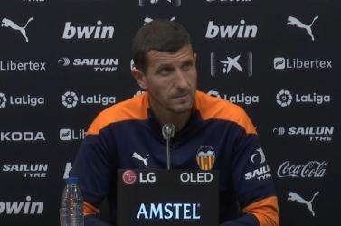 La Liga - Négy fordulóval a bajnokság vége előtt menesztette edzőjét a Valencia