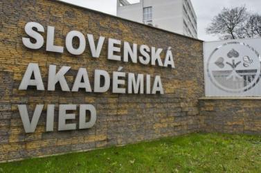 FELMÉRÉS: Ezekben a szlovákiai intézményekben bíznak az emberek leginkább