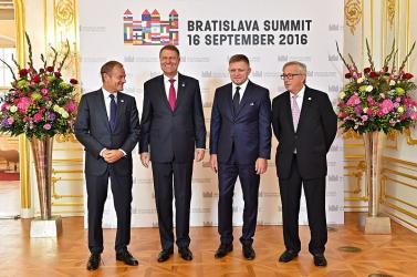 Vírusos lehet a román államfő, hogy ennyi hülyeséget beszél?