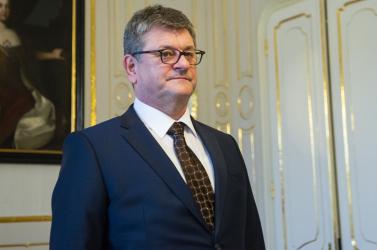 Čaputová nem nevezi ki Jozef Hudákot az NBS igazgatóhelyettesének