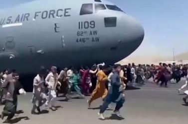 Emberi maradványokat találtak a Kabulból felszállt katonai gép futóműházában