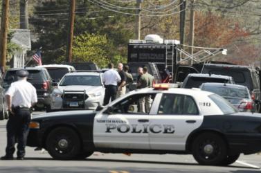 Meglőttek tíz embert egy lakótelepen a kaliforniai San Bernadinóban