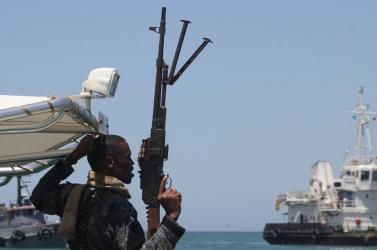 Elrabolták egy görög hajó legénységének több tagját Kamerun partjainál