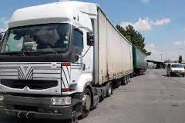 Fából vaskarika? A sofőrhiányt uniós kamionsofőrökkel oldanák meg Nagy-Britanniában, de csak március végéig vállalhatnak munkát...