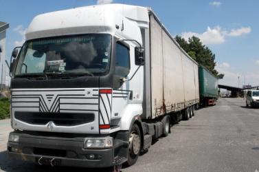 Szlovákia lezárta a határátkelőket a 7,5 tonna feletti kamionok előtt!