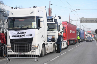 Kamionsztrájk: vasárnap a rajkai határátkelőt is eltorlaszolják a fuvarozók