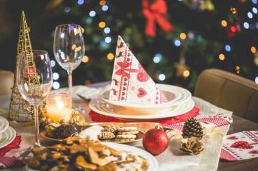 Olaszországban legfeljebb tízen ülhetnek a karácsonyi asztalhoz a kormány tervei szerint