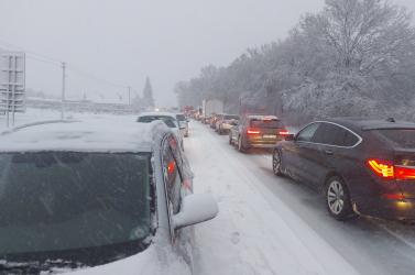 Sűrű havazás bonyolítja a közlekedést Kelet-Szlovákiában (Videó/Fotók)