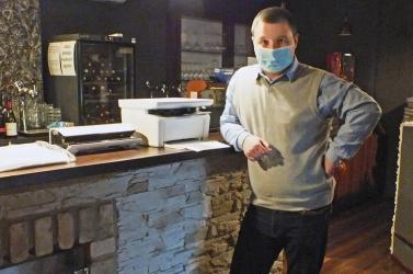 Kreatív ötlettel élheti túl a válságot egy érsekújvári kávézótulajdonos