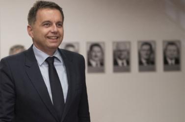 Kažimír átzsilipelőben: Agyő, parlament, szervusz nemzeti bank!