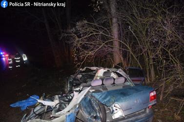 Szörnyethalt a sofőr, aki Köbölkút felé hajtva lesodródott az útról