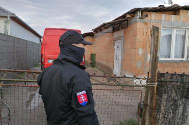Feleségnek adtak el egy 13 éves lányt a Komáromi járásban!