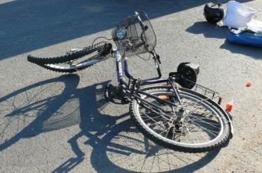 Felszívódott a biciklist elgázoló nő