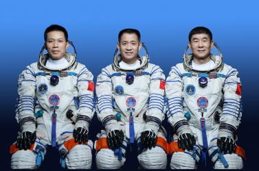 Kína két veterán és egy újonc asztronautát küld fel csütörtökön az űrállomására