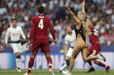 A Copa-döntőn is fogdában kötött ki a BL-döntőt megzavaró modell