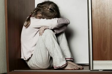 UNICEF: a világon minden 10. percben meghal egy kislány erőszak miatt