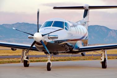 150 pilótát nem engednek repülni feltételezett csalás miatt