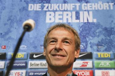 Bundesliga - Klinsmann tíz hét után távozott a Hertha BSC-től