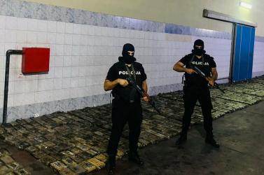 DROGFOGÁS:Másfél tonna kokaint találtak a rendőrök egy banánszállítmányba rejtve Montenegróban