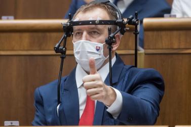 Kiderült, mit is jelent parlamentiképviselőnek lenni. Ez megmagyarázza azt is, miért jogosultak a védőoltásra