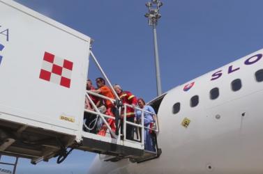 Görögországból hozott haza a kormánygép egy súlyosan sérült férfit