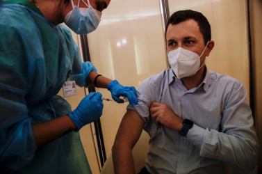 Lengyelországban pénzügyi alapot hoznak létre a védőoltás mellékhatásainak kárpótlására