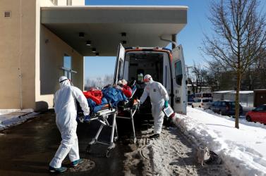Koronavírus - Közel 4500 új fertőzött és összesen már majdnem 15 ezer halott Magyarországon