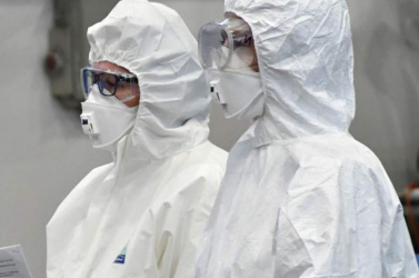 Koronavírus - A betegek védelme érdekében az egészségügyi dolgozóknak most már kötelező az oltás Magyarországon