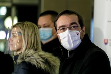 A Smer korábbi egészségügyi miniszterei nem bírják nézni Krajčí kínlódását
