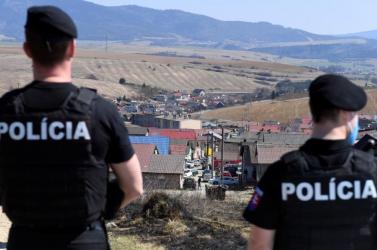 Vizsgálják, tényleg megvert-e egy rendőr öt gyereket egy szlovákiai roma telepen