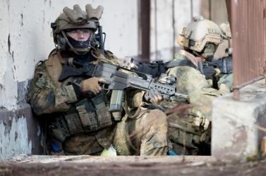 Neonáci alakulat a német hadsereg elit kommandósai között!