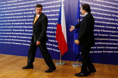 A cseh alkotmánybíróság jóváhagyta a Lisszaboni Szerződést