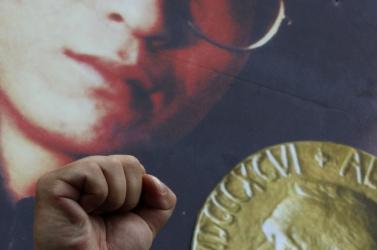 Néhány kínai kommunista is támogatja a Nobel-békedíjas ellenzéki professzort