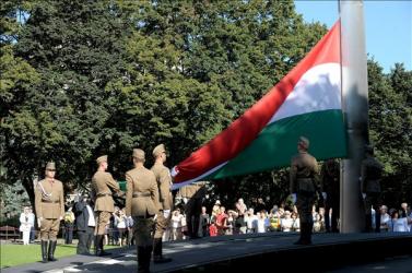 Augusztus 20: Budapesten kezdetét vette az egész napos ünnepség