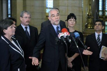 Fontos lépés a szlovák politikusi kritika a dunaszerdahelyi rendőrattakról